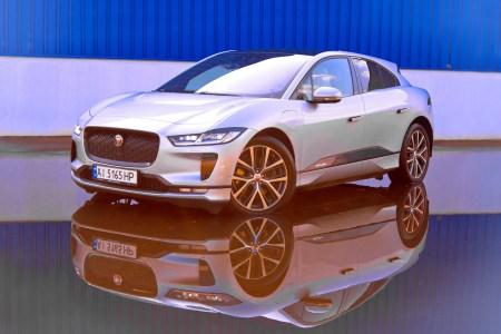 Jaguar I-Pace стал самым продаваемым новым электромобилем в Украине по итогам восьми месяцев 2019 года, обогнав Nissan Leaf и BMW i3