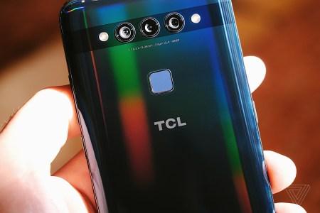 TCL готовит смартфон Plex с улучшенными камерами и дисплеем, а также модели в складном корпусе и с поддержкой 5G