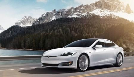 Разминка перед Нюрбургрингом. Tesla Model S обновила рекорд трассы Лагуна Сека среди четырехдверных авто [Видео]
