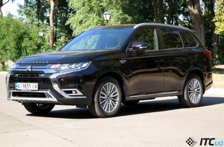 Тест-драйв Mitsubishi Outlander PHEV: дорогой техно-флагман