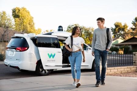 Waymo и Renault анонсировали запуск совместного сервиса роботакси в Париже