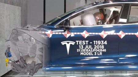 Tesla показала свою лабораторию для краш-тестов