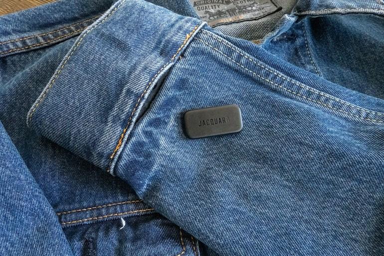 Levi's выпустила две куртки на базе технологии Google Project Jacquard, которая позволяет управлять смартфоном через сенсор на манжете