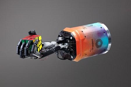 Роботизированная рука Dactyl на базе ИИ собрала кубик Рубика, не будучи специально запрограммированной для этого