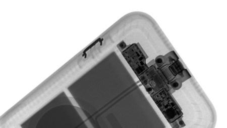 Рентгеновский снимок показал, как работает кнопка камеры в чехле Smart Battery Case для iPhone