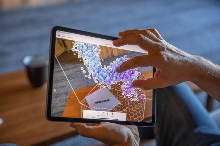 Adobe выпустила Photoshop для iPad и приложение для создания опыта дополненной реальности Aero