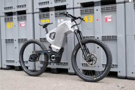 Датский стартап Trefecta представил электрический «супервелосипед» RDR, оснащенный аккумулятором, заряда которого хватает на 200 км пробега