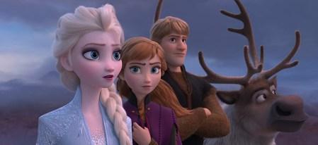 Мультфильм Frozen II / «Ледяное сердце II» собрал $350 млн в первый уикэнд проката, побив сразу несколько рекордов