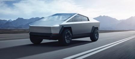 Илон Маск объяснил, почему у Tesla Cybertruck именно такой дизайн (все из-за сверхпрочной стали). Объем предзаказов уже превысил 200 тыс.!