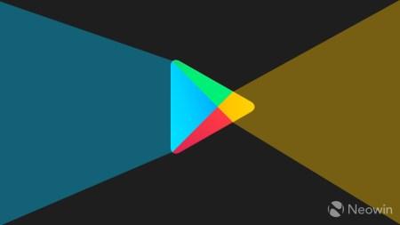 Проблем больше нет. Магазин Google Play Store перестал скрывать новые приложения