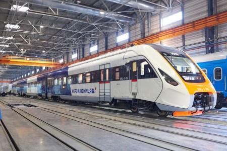 Kyiv Boryspil Express перевез милионного пассажира и вывел на маршрут новый украинский дизель-поезд ДПКр-3