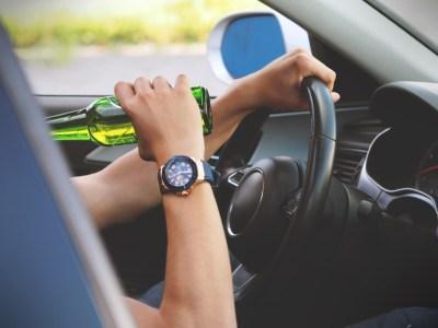 Введение уголовной ответственности за пьяное вождение отложили на полгода