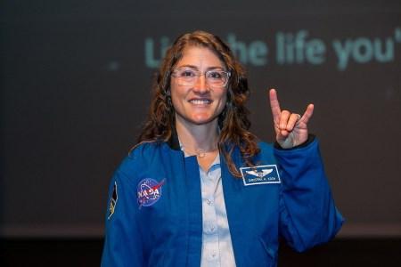 Американская астронавтка Кристина Кох побила рекорд по продолжительности беспрерывного пребывания женщины в космосе