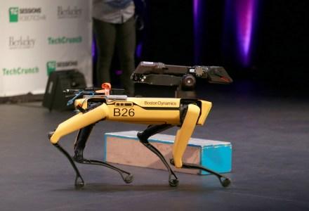 У Boston Dynamics впервые появился генеральный директор, акоммерческая версия робособаки Spot получила собственный SDK (Адам Сэвидж стал одним из первых тестировщиков)