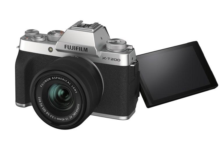 Fujifilm анонсировала беззекальную камеру X-T200 с улучшенными возможностями по съёмке видео