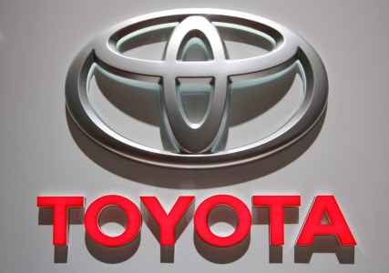 Toyota использует большие данные, чтобы предотвратить путаницу педалей