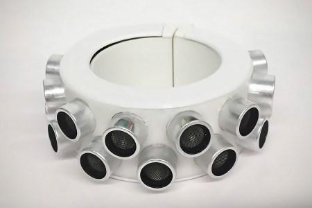 Разработан ультразвуковой браслет, скрывающий разговоры от голосовых помощников