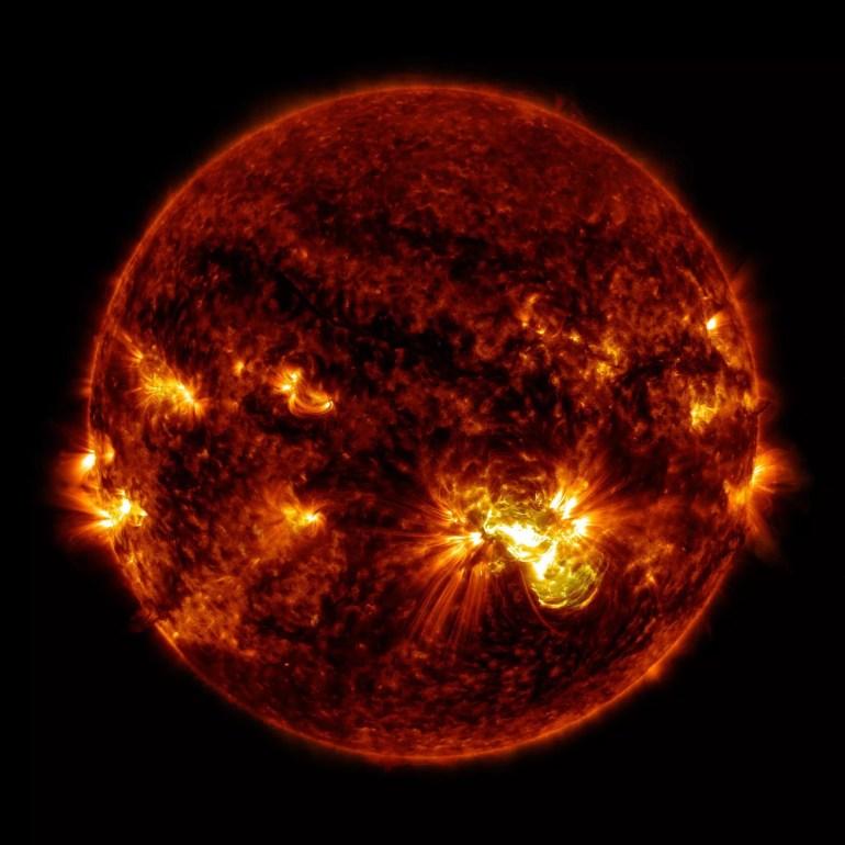 К Солнцу отправился новый зонд Solar Orbiter — он предоставит возможность впервые увидеть полюса звезды (и лучше понять 11-летний солнечный цикл)