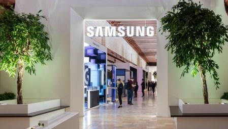 Умная бытовая техника на Samsung Forum 2020: паровой шкаф AirDresser, модульный холодильник Bespoke, беспроводные пылесосы Jet Wallmount