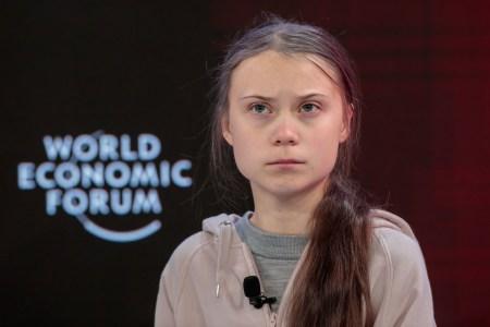 Грета Тунберг призвала временно перенести климатические забастовки в интернет