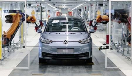 Volkswagen столкнулась с серьёзными проблемами в ПО ID.3, из-за чего запуск электрокара может быть отложен