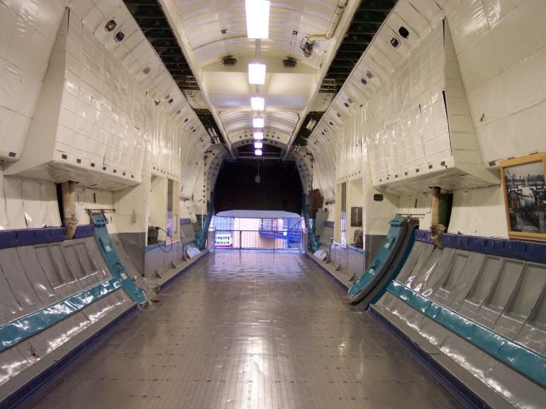 """Спрос на грузовые авиаперевозки настолько велик, что """"Авиалинии Антонова"""" отправили в рейс крупнейший в мире турбовинтовой самолет Ан-22 """"Антей"""""""