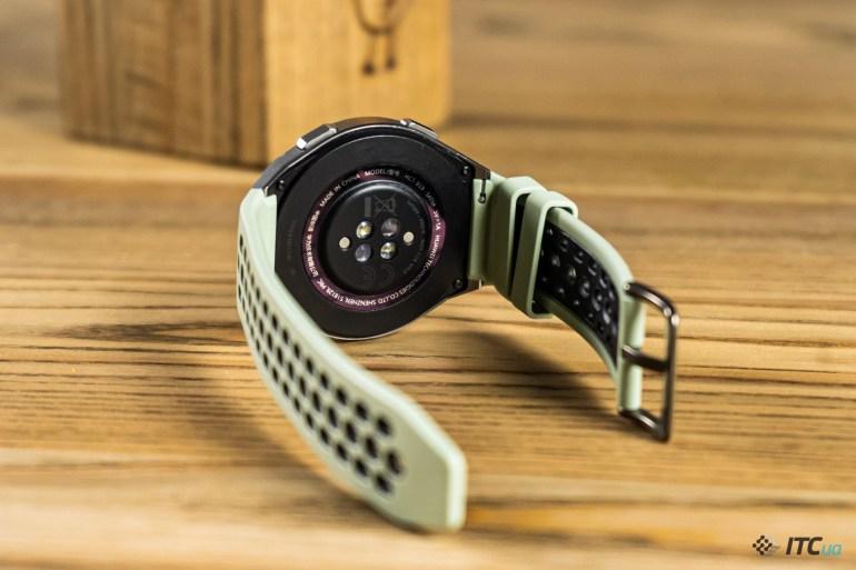 Huawei Watch GT 2e – спортивные часы с пульсоксиметром