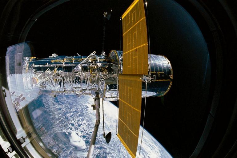 Hubble Space Telescope: 30 лет в космосе