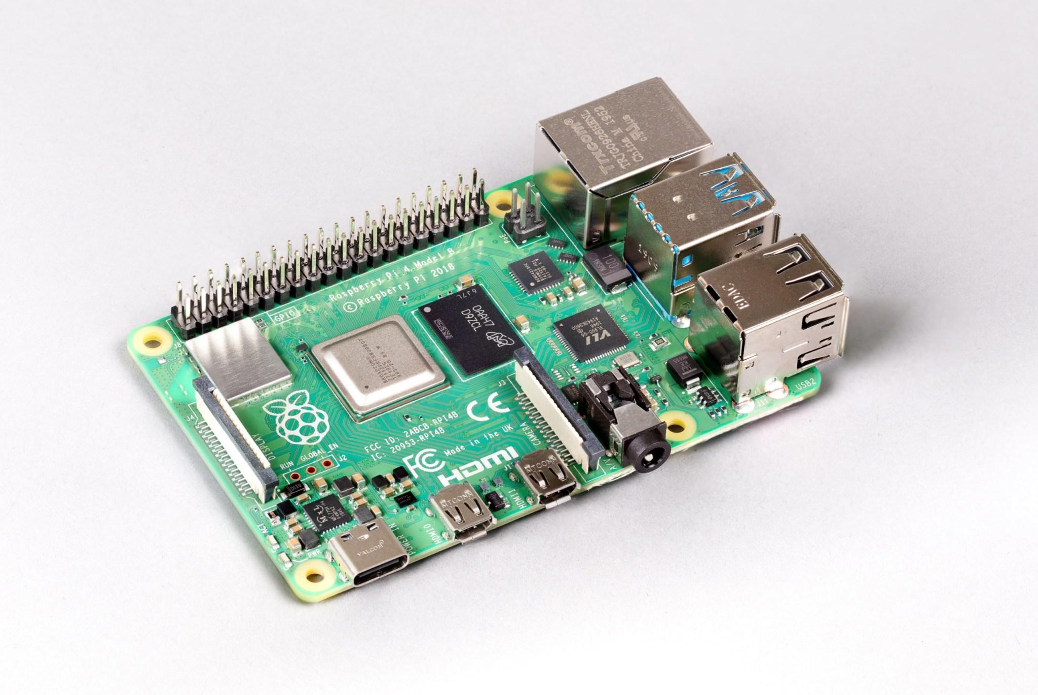 Одноплатный ПК Raspberry Pi 4 теперь доступен в версии с 8 ГБ ОЗУ -- $75 height=1712.5
