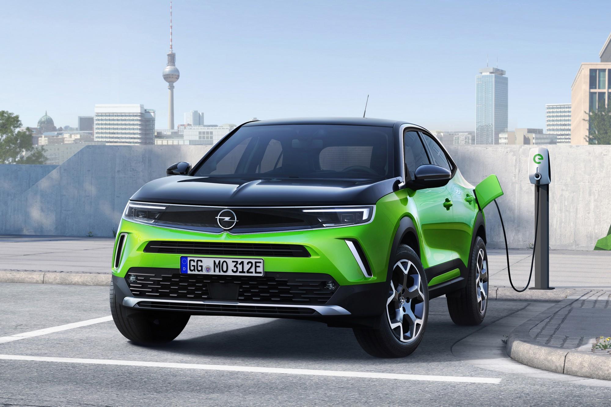 Opel официально представил серийный электрокроссовер Opel Mokka с новым дизайном мощностью 100 кВт батареей на 50 кВтч и запасом хода 320