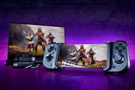 Стартовали продажи игрового контроллера Razer Kishi стоимостью $80, который превращает смартфон в игровую консоль
