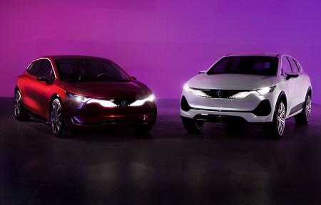 Польша представила национальный бренд электромобилей Izera, показав прототипы кроссовера и хэтчбека. Производство рассчитывают запустить в 2023 году