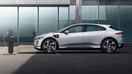 В четвертом квартале в Украину начнут поставлять обновленный электрокроссовер Jaguar I-Pace с ускоренной зарядкой и новой инфотейнмент-системой Pivi Pro