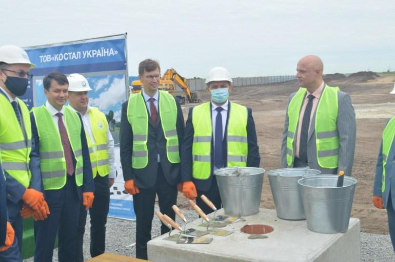 Под Киевом начали строить завод Kostal по производству автомобильной электроники на 900 рабочих мест, он откроется уже в апреле следующего года