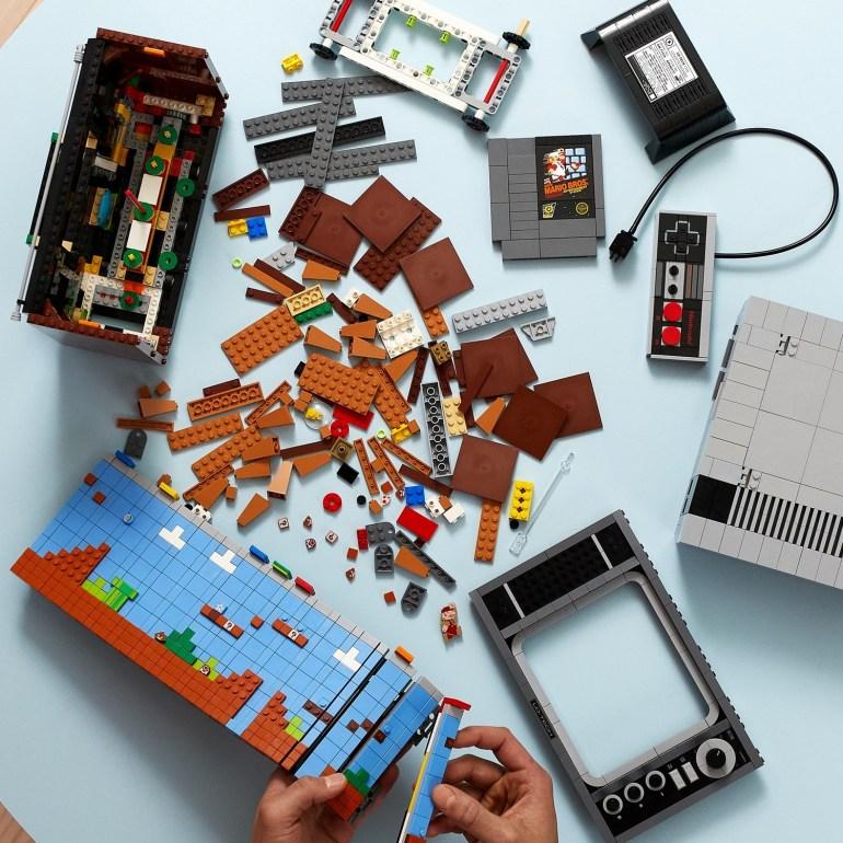 """Lego официально представила набор Nintendo Entertainment System и показала видео """"геймплея"""""""