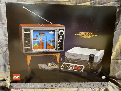 Lego выпустит набор стоимостью $250, из которого можно собрать копию консоли Nintendo NES (но запускать игры она не способна)