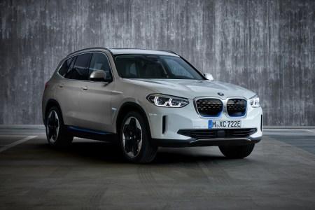 Серийный электрокроссовер BMW iX3 представлен официально: мощность 210 кВт, батарея 80 кВтч и запас хода 460 км (WLTP) / 520 км (NEDC)