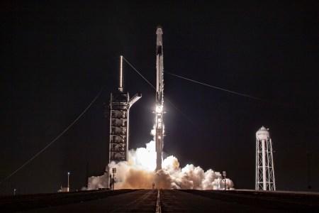 SpaceX отправила на орбиту еще 57 интернет-спутников Starlink и два спутника-попутчика BlackSky Global 7 и 8