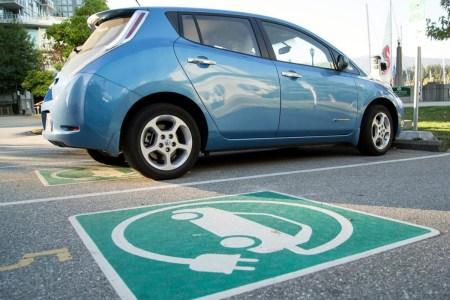Электрозаправки на всех автомобильных дорогах общего пользования — Мининфраструктуры предлагает изменить ДБН
