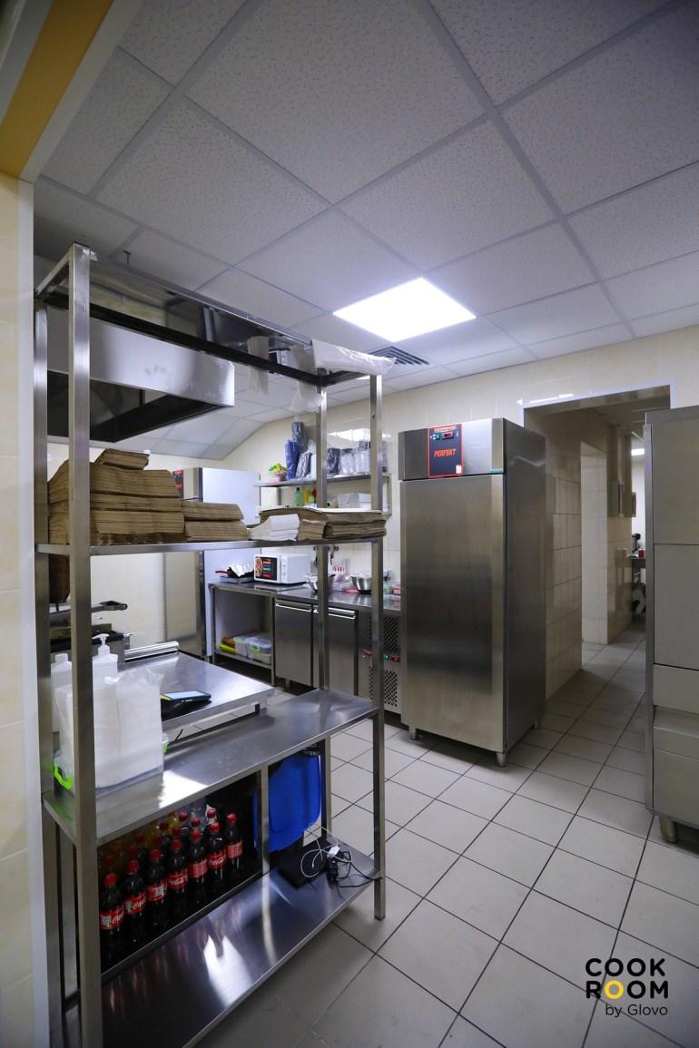 Сервис Glovo запустил первый «Dark Store» и второй «Cook Room» на рынке Украины