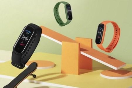 Huami представила фитнес-трекер Amazfit Band 5 за $45. Это улучшенная версия Mi Band 5 с измерением уровня кислорода в крови и поддержкой Alexa