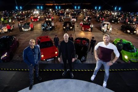 BBC выложил трейлер 29-го сезона автошоу Top Gear и показал, как снимают зрителей в условиях коронавируса