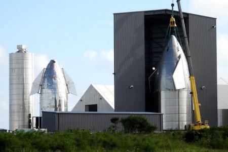 Прототип Starship SN8 с тремя двигателями Raptor прошел первые огневые испытания, дальше — полноценный запуск на 18 км