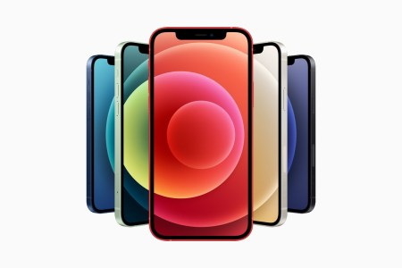 iPhone 12: обновленный дизайн с плоскими гранями, 6,1-дюймовый экран OLED и цена от $829