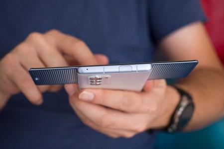 LG планирует выпустить смартфон со сворачивающимся экраном в марте 2021 года