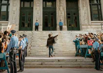 Рецензия на политическую судебную драму The Trial of the Chicago 7 / «Суд над чикагской семёркой»