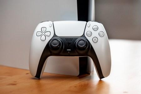 Valve добавила в API ввода Steam полную поддержку контроллера PS5, включая трекпад, гироскоп, вибрацию и светодиоды