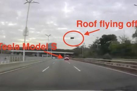 У еще одного автомобиля Tesla сорвало крышу прямо на автостраде — компания винит стороннюю мастерскую