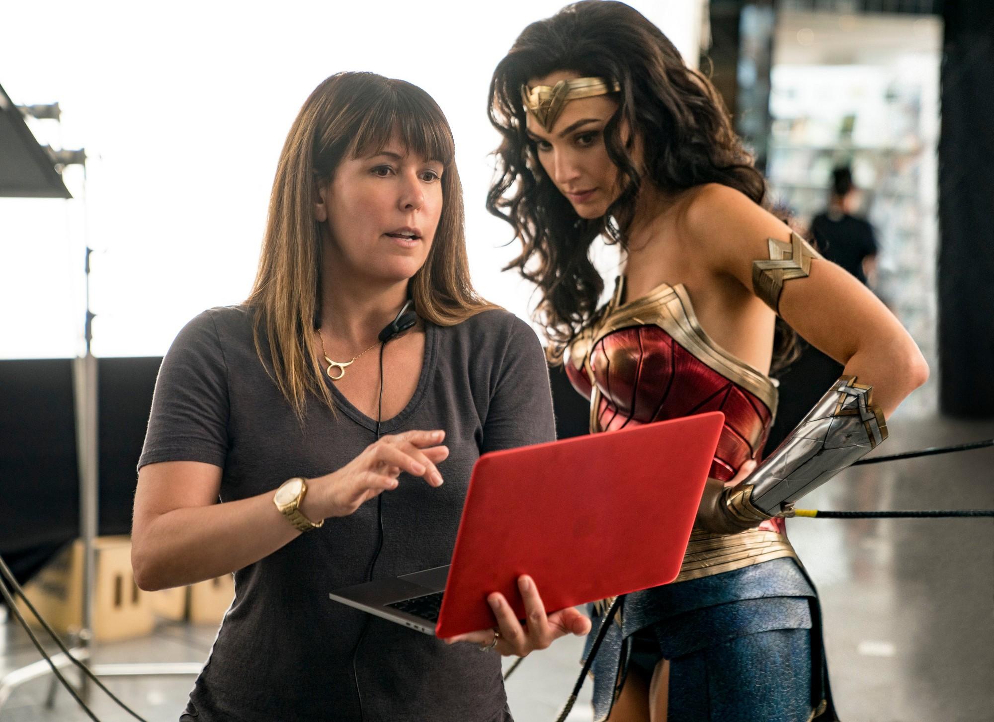 """Фильм """"Чудо-женщина 2"""" / """"Wonder Woman 1984"""" выйдет в стриминговом сервисе  HBO Max и кинотеатрах практически одновременно - в декабре 2020 года -  ITC.ua"""