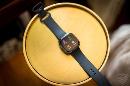 Еврокомиссия одобрила приобретение Google производителя фитнес-гаджетов Fitbit за 2,1 миллиарда долларов